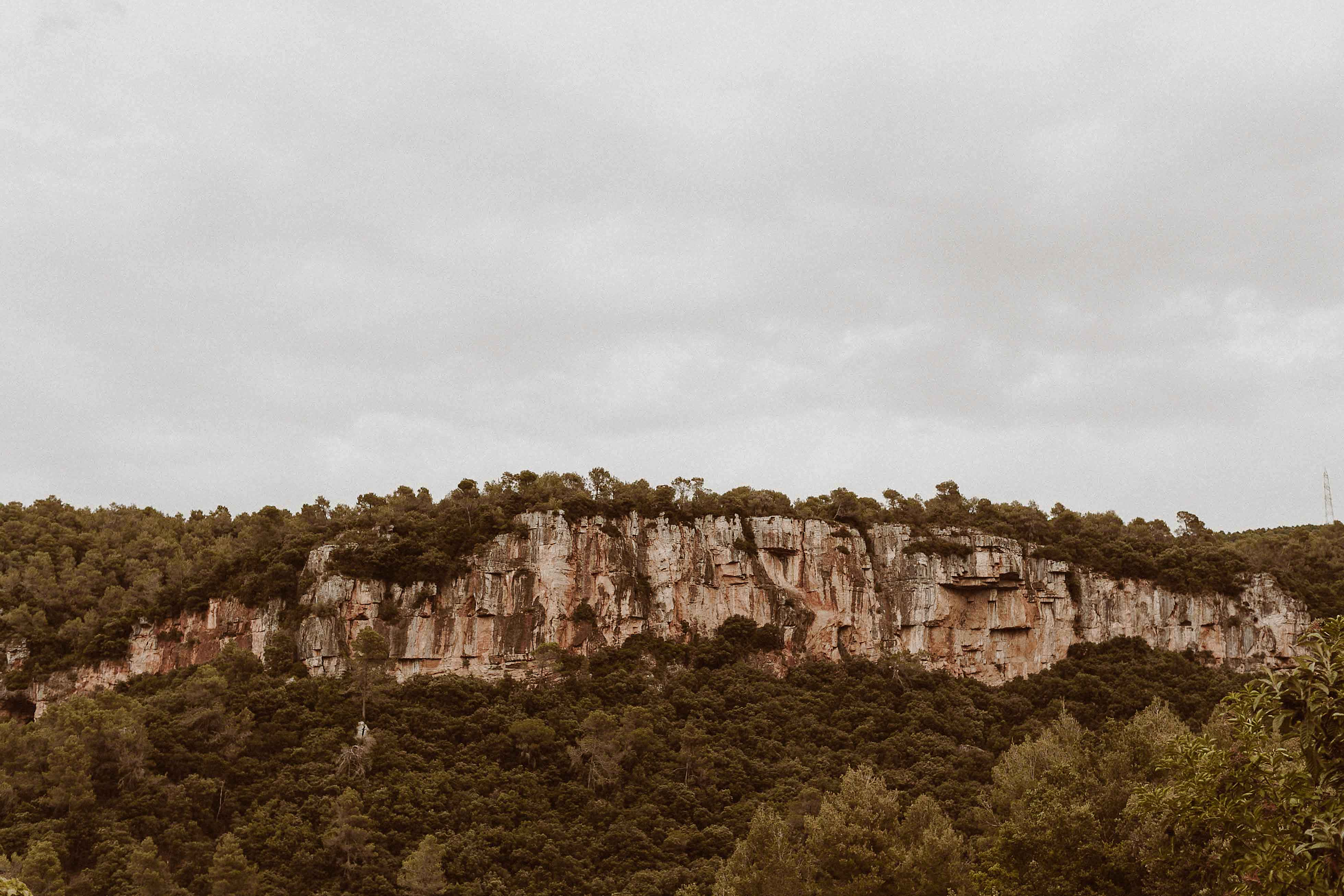 Boda rústica en la montaña. fotgrafo de bodas barcelona_017