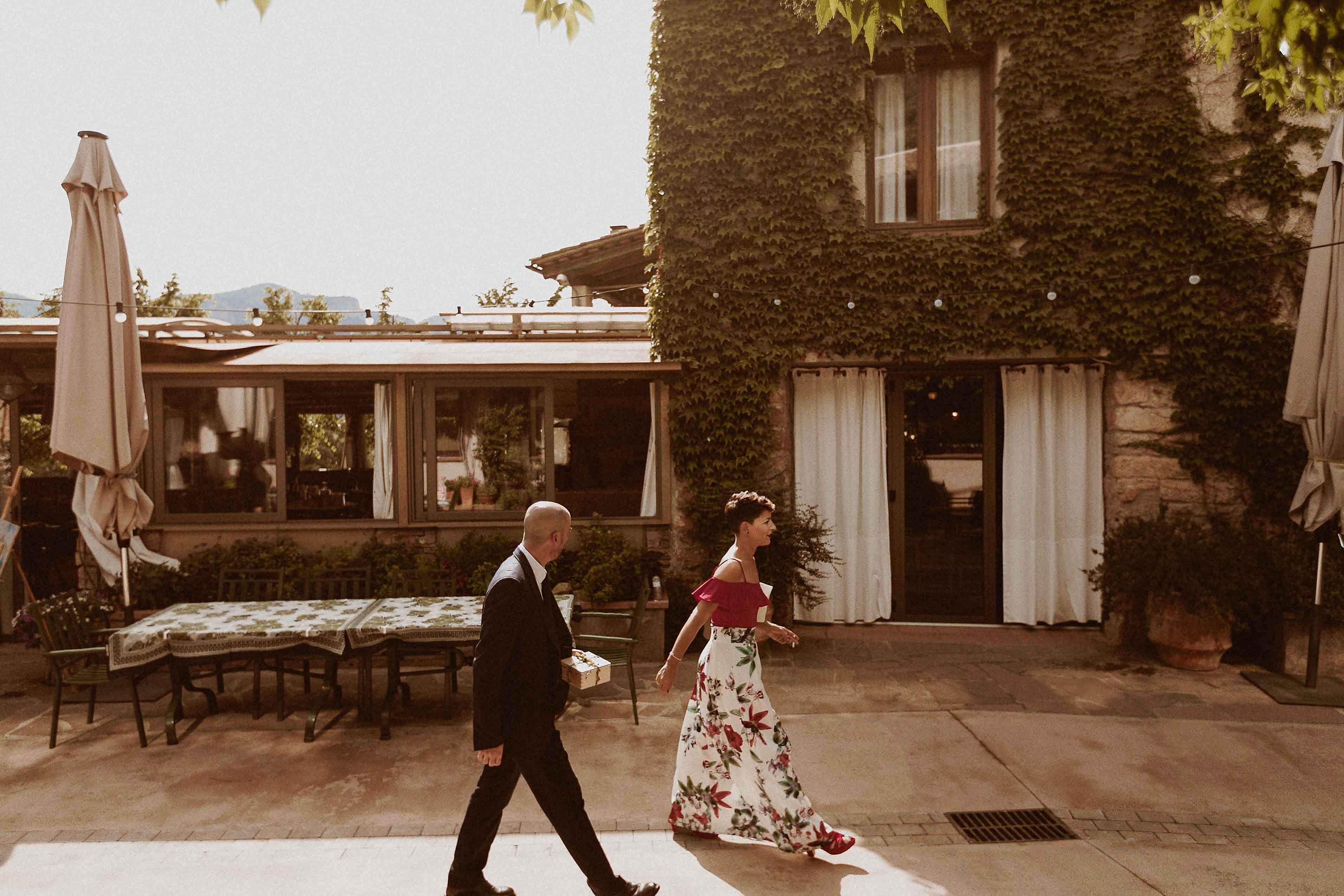 Boda rústica en la montaña. fotgrafo de bodas barcelona_026