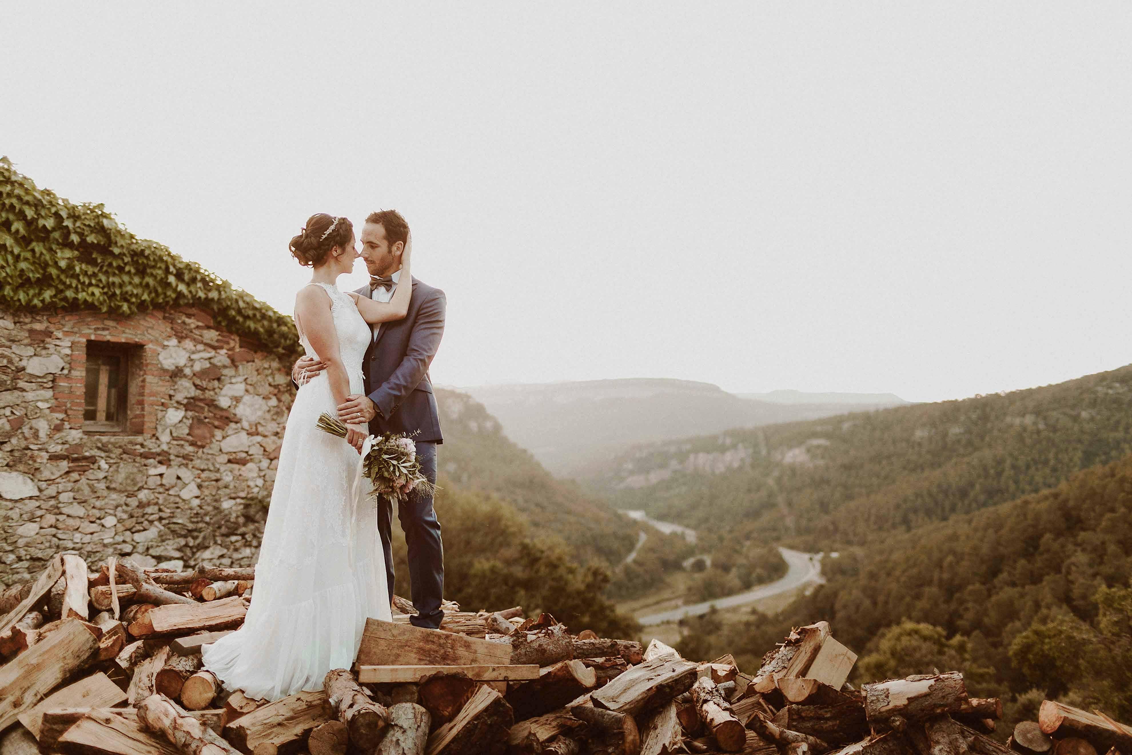 Boda rústica en la montaña. fotgrafo de bodas barcelona_081