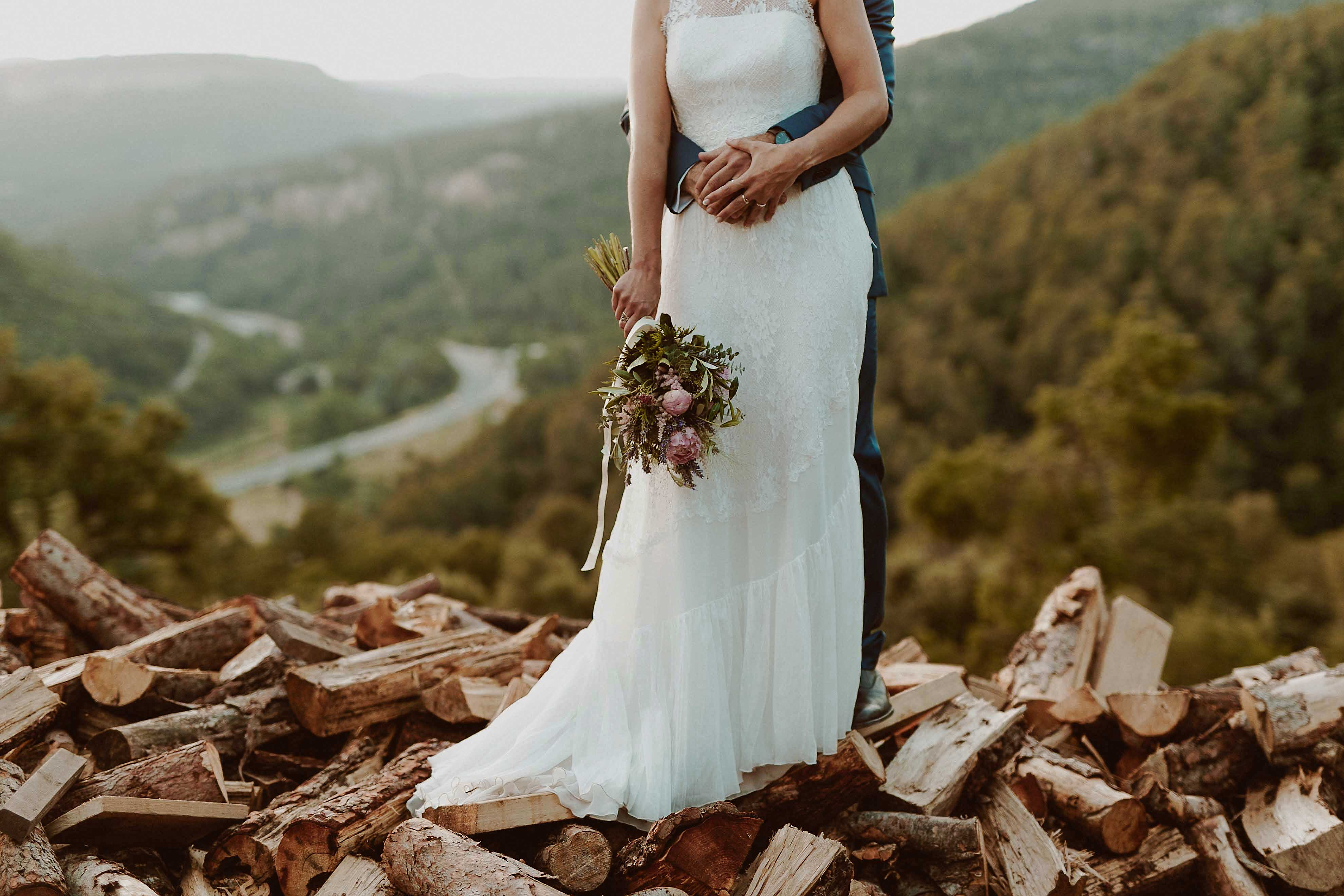 Boda rústica en la montaña. fotgrafo de bodas barcelona_082