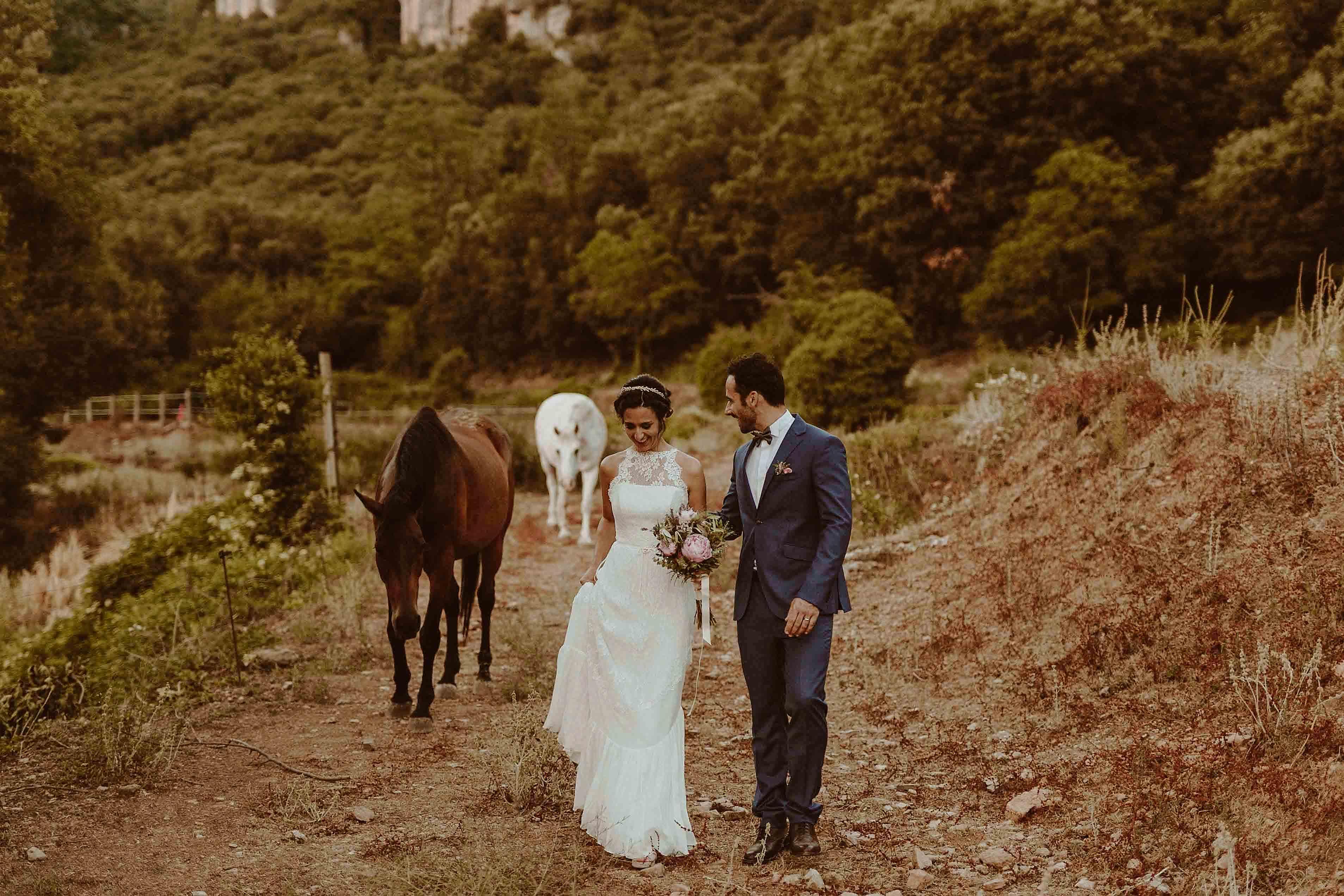 Boda rústica en la montaña. fotgrafo de bodas barcelona_091