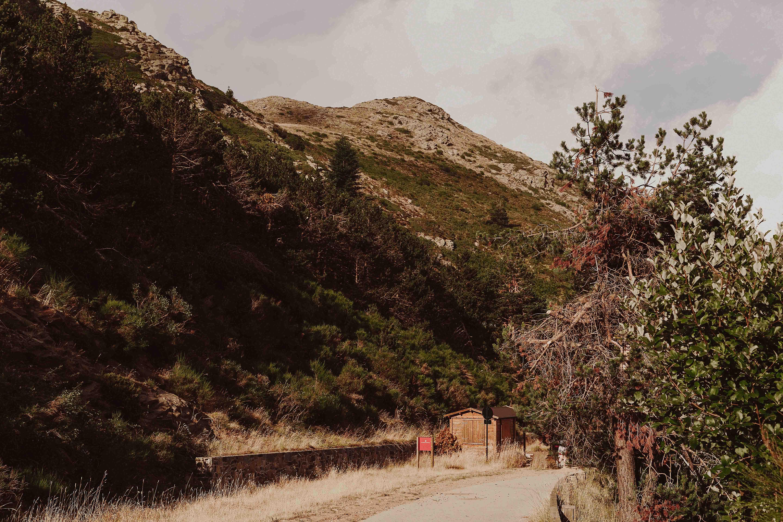 Preboda en la montaña. fotografo de bodas barcelona.bodas girona_015