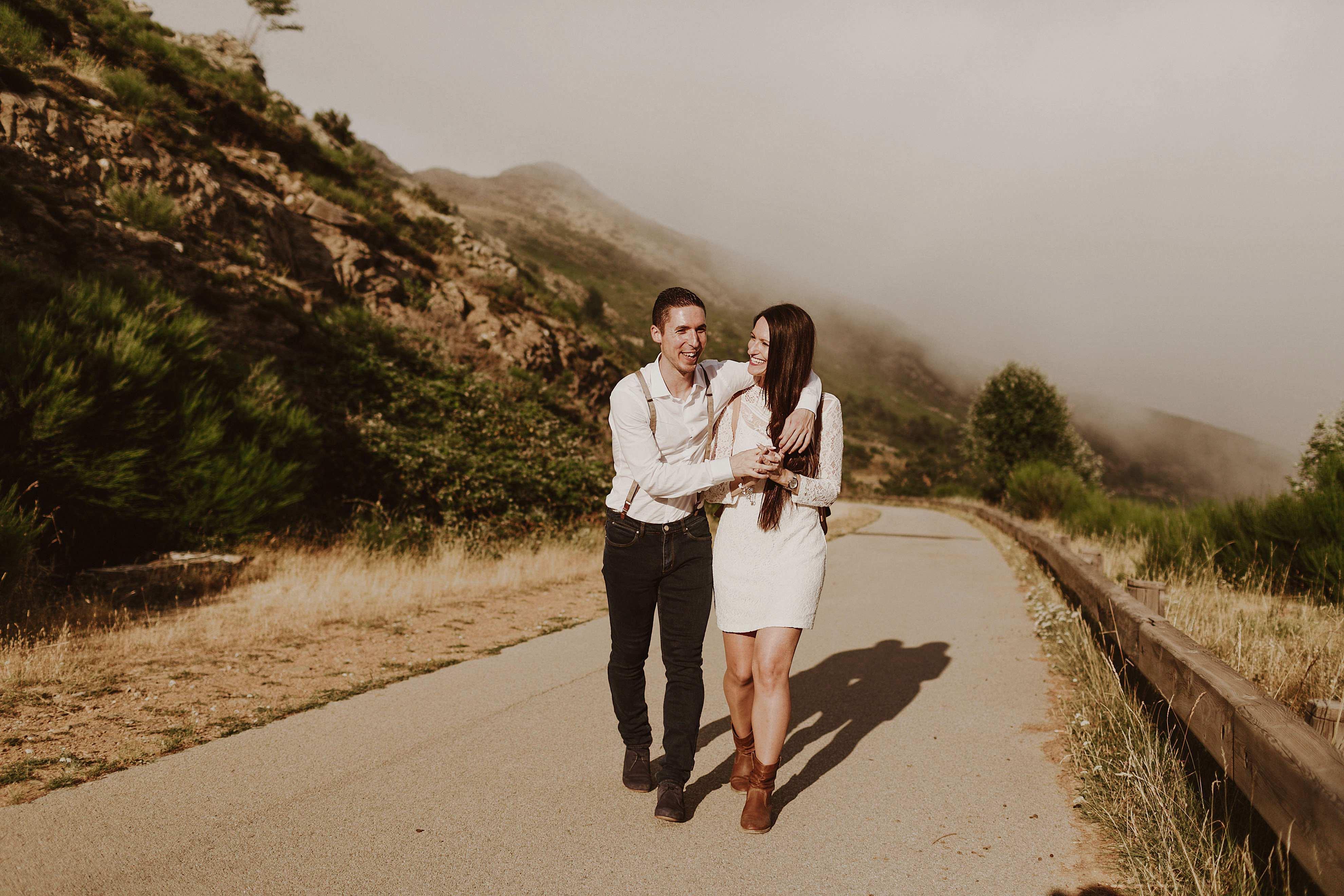Preboda en la montaña. fotografo de bodas barcelona.bodas girona_023