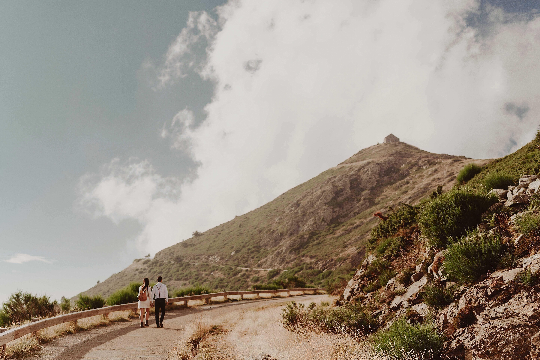 Preboda en la montaña. fotografo de bodas barcelona.bodas girona_027