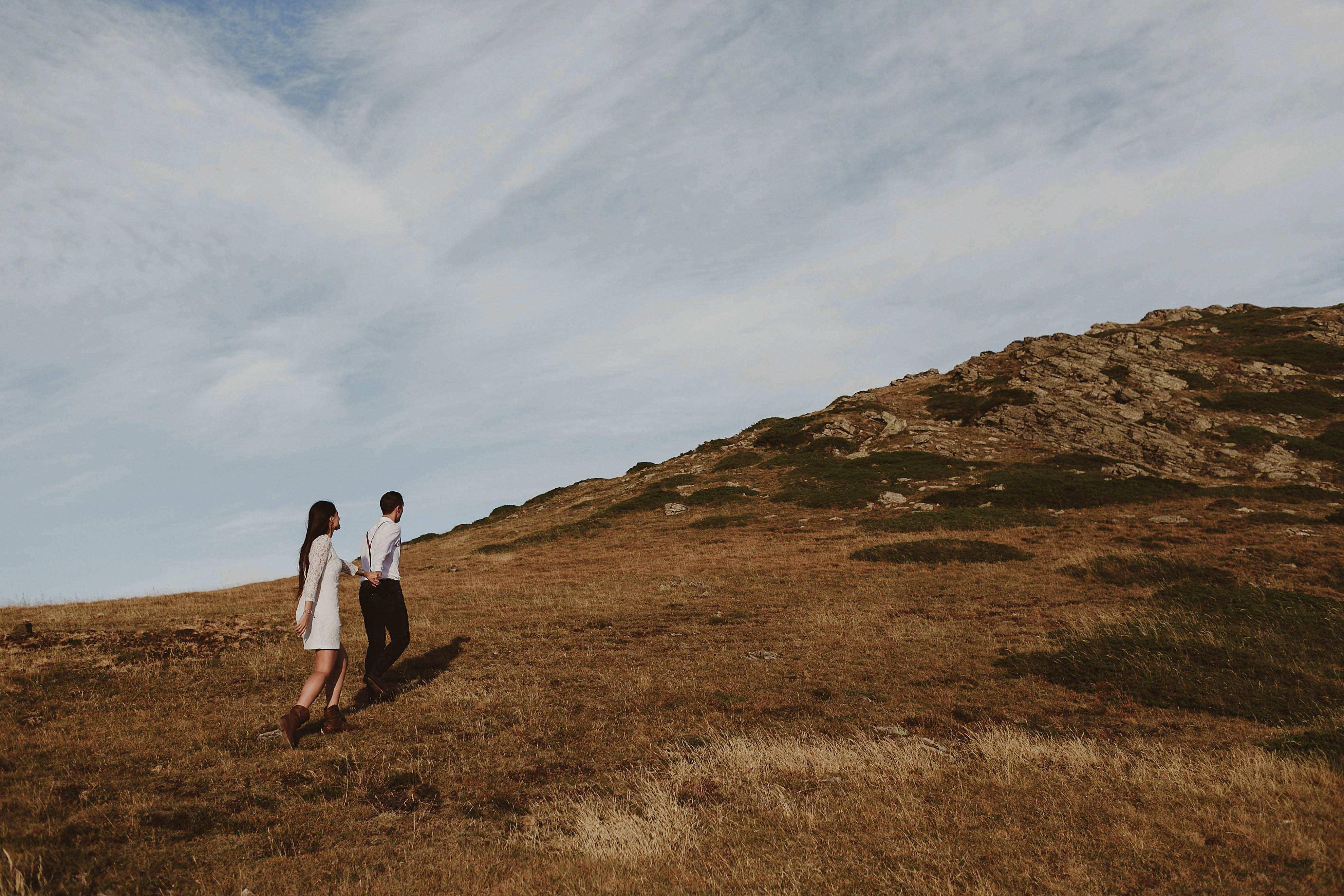 Preboda en la montaña. fotografo de bodas barcelona.bodas girona_058