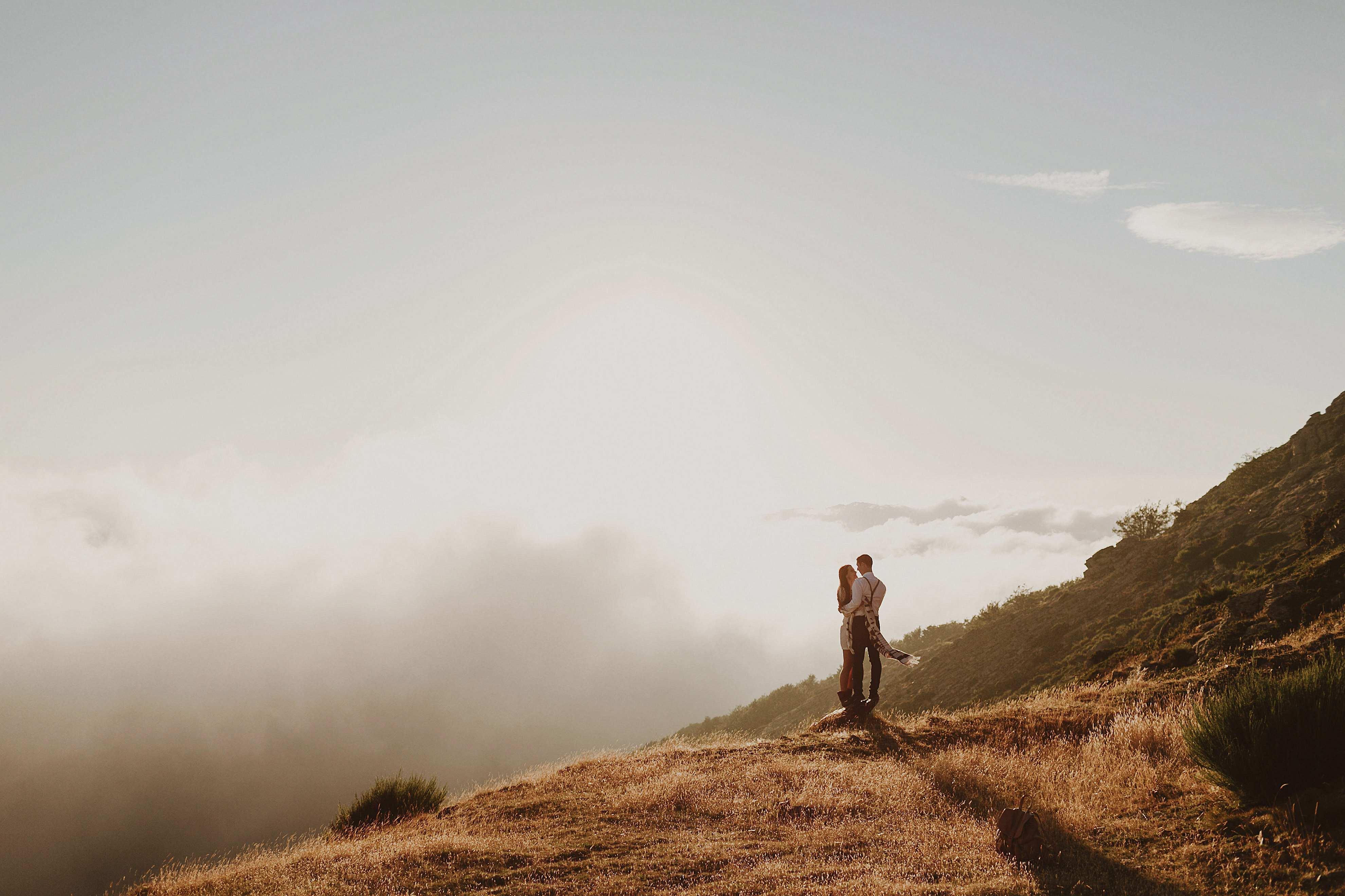 Preboda en la montaña. fotografo de bodas barcelona.bodas girona_113