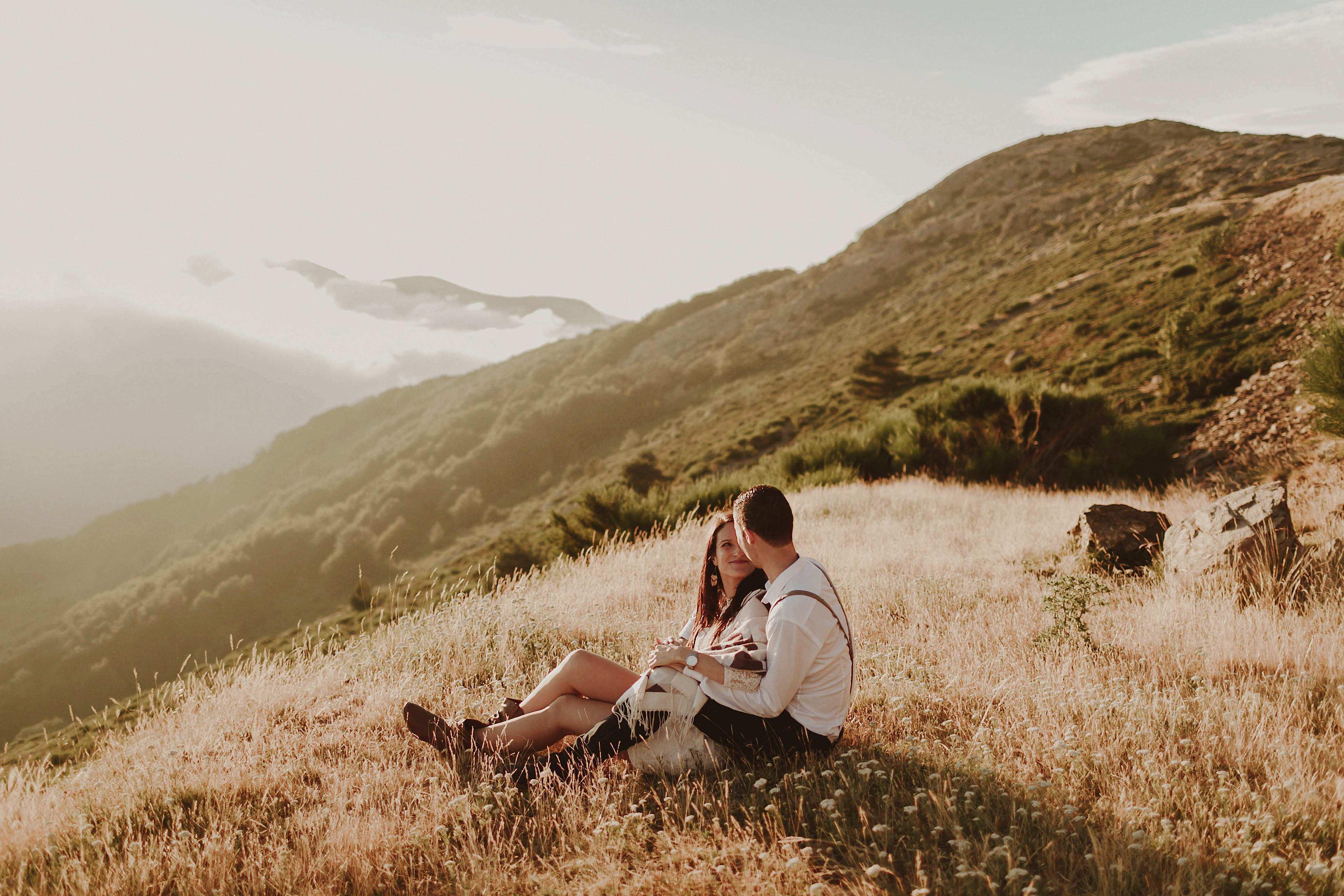 Preboda en la montaña. fotografo de bodas barcelona.bodas girona_125