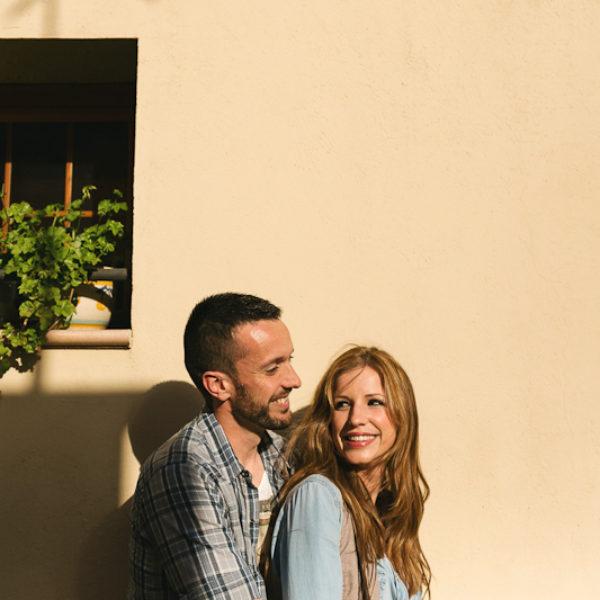 Fotógrafo bodas Barcelona. Sesión pre boda en el  Parque Natural de Montserrat