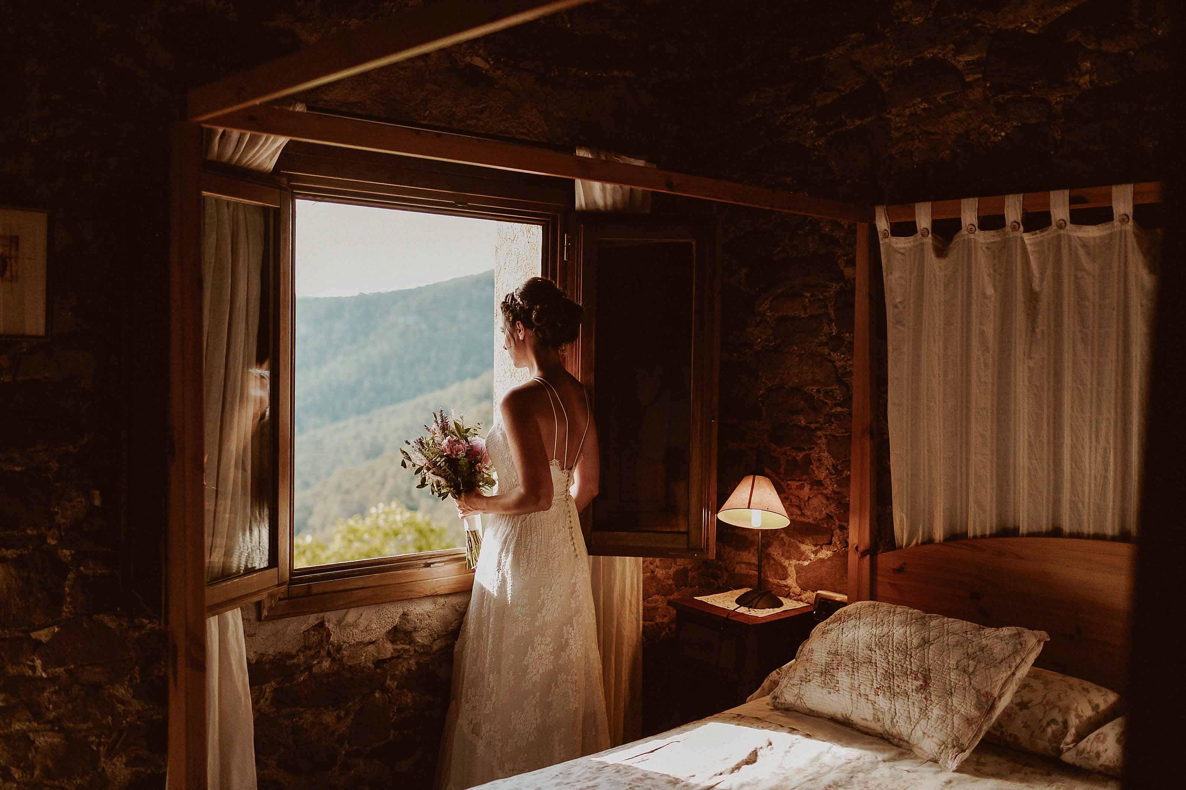 Boda rústica en la montaña. fotgrafo de bodas barcelona_044